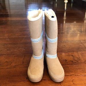 NIB UGG W Sundae Revival winter snow boots sz11